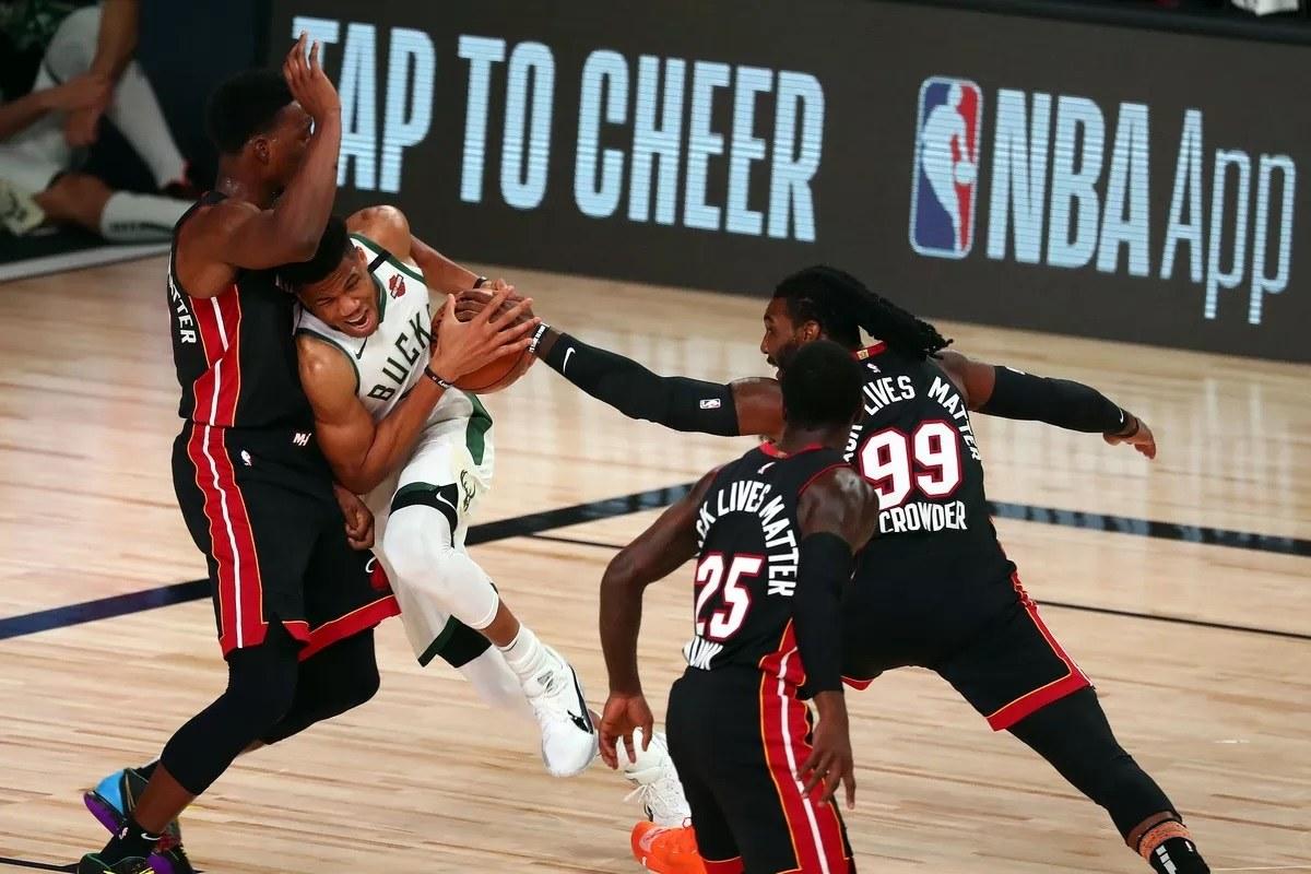 Playoff Timur NBA, Orang Yunani Aneh Milwaukee Bucks Miami Heat