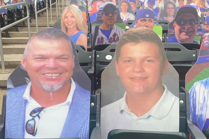 Chipper dan Son Cardboard Cutout
