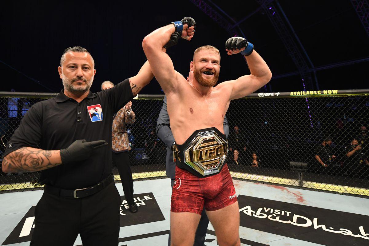 Blachowicz Adesanya UFC 254
