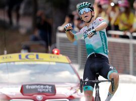 Lennard Kamna (Bora-Hansgrohe) reaches the finish line unopposed at Stage 16 at Villard-de-Lans. (Image: AP)