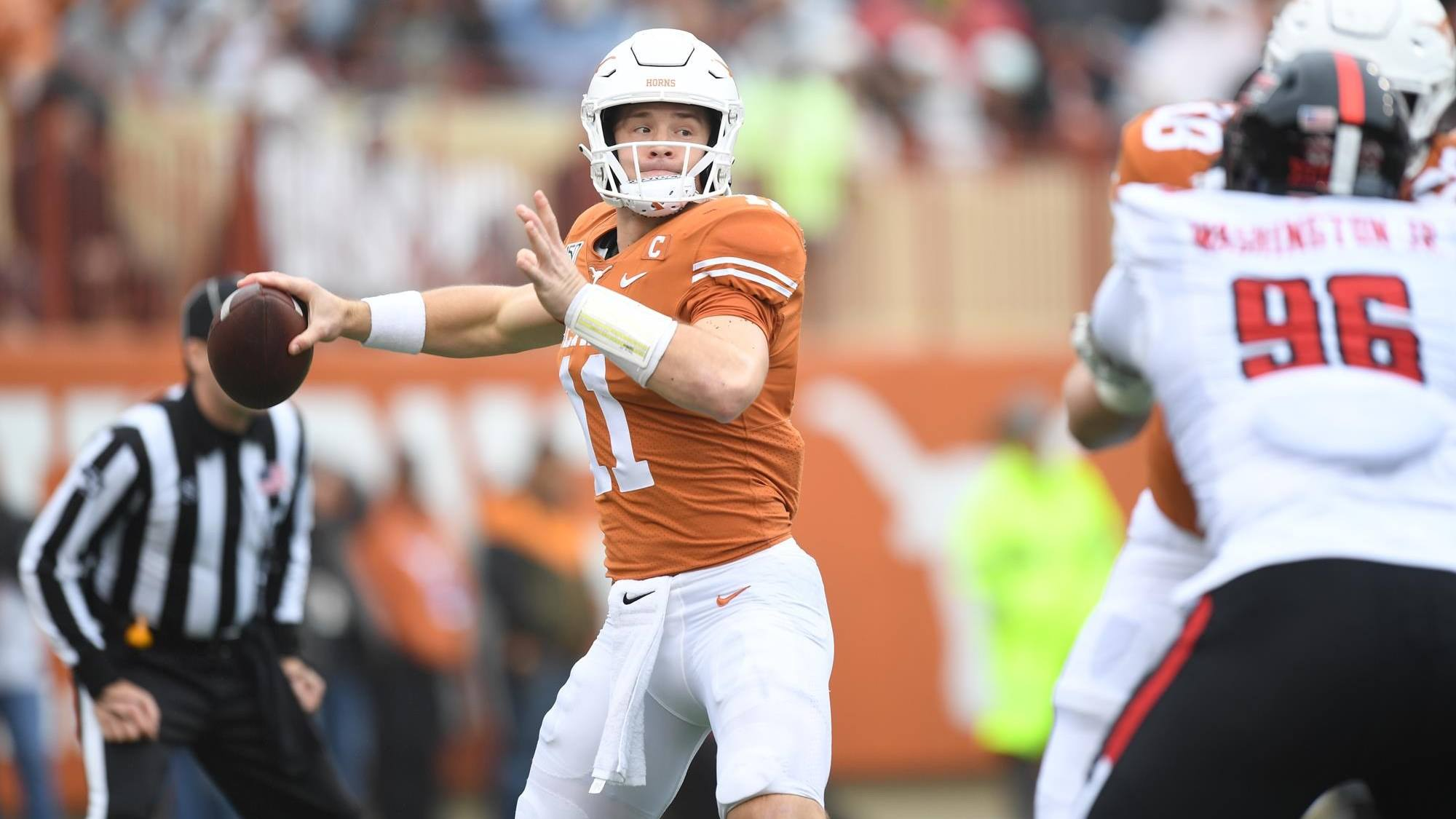 Sepak bola kampus Sam Ehlinger Week 2