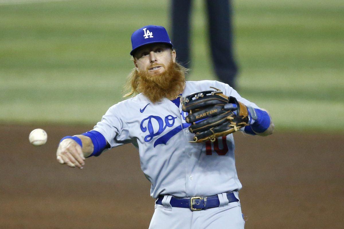 Justin Turner Dodgers defense