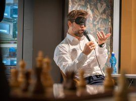 Magnus Carlsen plays blindfold chess during the rest day after Round 4 of Norway Chess. (Image: Lennart Ootes/Altibox Norway Chess)