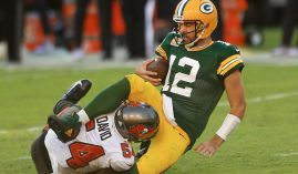 Tampa Bay's Lavonte David sacks Aaron Rodgers from the Green Bay Packers. (Image: Mike Ehrmann/Getty)