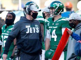 New York Jets head coach Adam Gase advises QB Sam Darnold. (Image: Getty)
