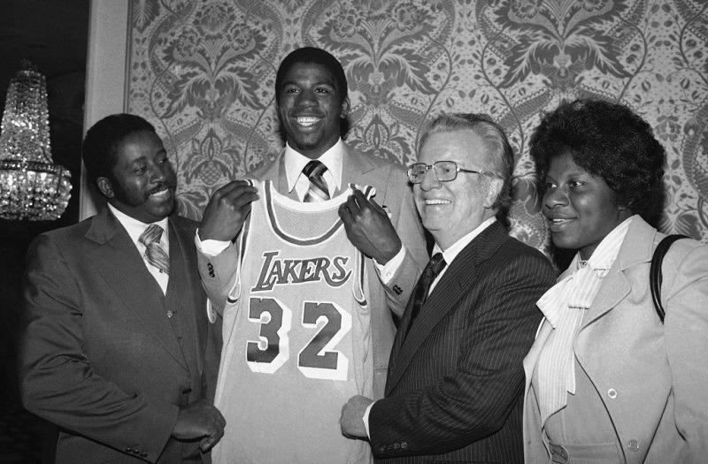 Magic Johnson # 1 Pilih Draf LA Lakers