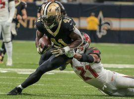 New Orleans Saints RB Alvin Kamara evades tacklers from the Tampa Bay Bucs. (Image: Derick E. Hingle/USA Today Sports)
