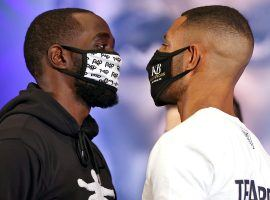 Terence Crawford (left) will defend his welterweight title against challenger Kell Brook (right) on Saturday night. (Image: Mikey Williams/Top Rank/Getty)