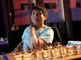 Wesley So defeated Magnus Carlsen to win the Skilling Open final on Monday. (Image: Spectrum Studios/Grand Chess Tour)