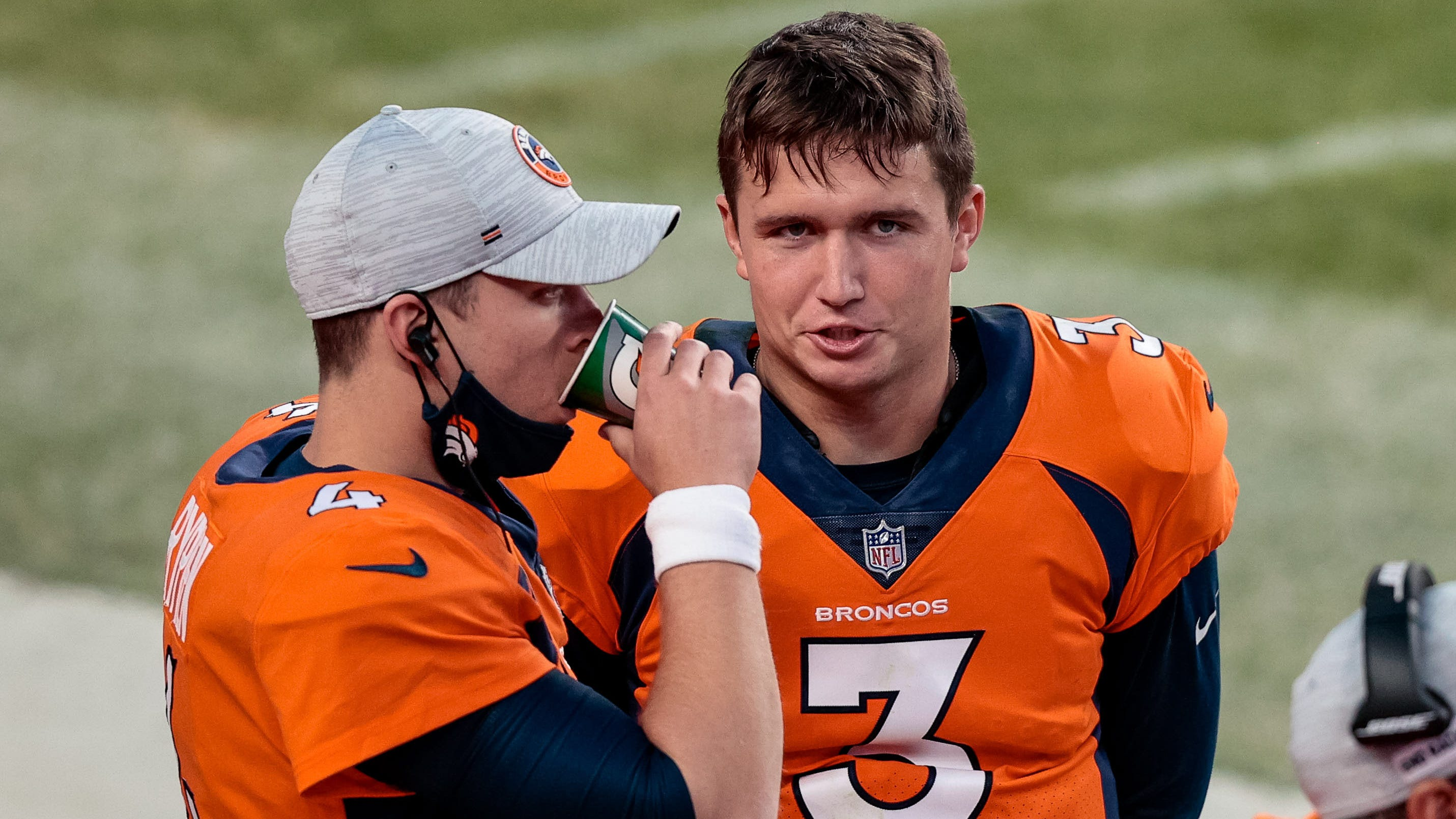 Quarterback Broncos