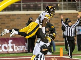 Iowa dismantled Minnesota 35-7 in College Football Week 11, and betting on the Hawkeyes included a $170,000 moneyline wager. (Image: USA Today Sports)