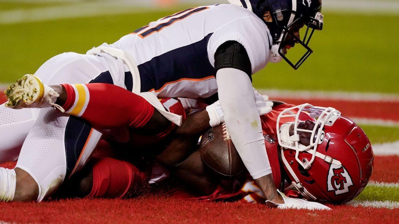 Tyreek Hill NFL Week 13 highlights