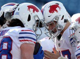 Dawson Knox (88) and Josh Allen (17) celebrate a touchdown for the Buffalo Bills. (Image: Bryan Bennett/Getty)