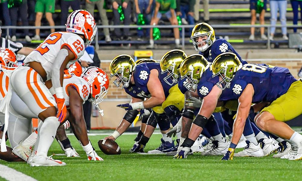 Pertandingan kejuaraan konferensi sepak bola perguruan tinggi Clemson Notre Dame