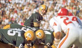 Bart Starr, two-time MVP with the Green Bay Packers surveys the Kansas City Chiefs defense during the first Super Bowl. (Image: Getty)