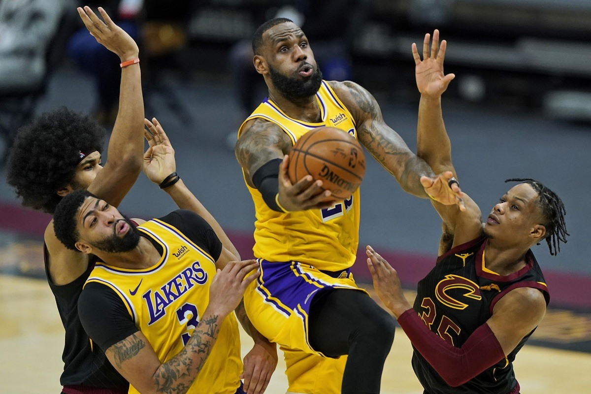 LeBron James 46 Points LA Lakers Cleveland Cavs Old Team