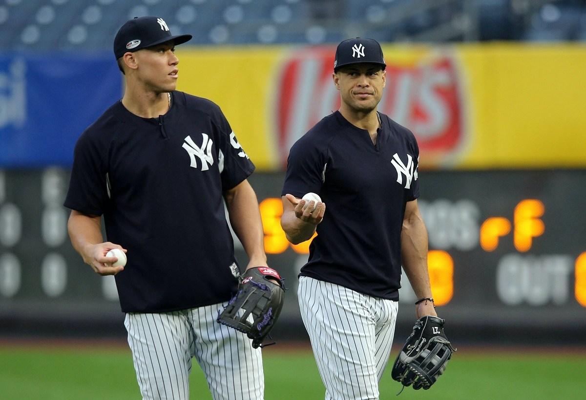New York Yankees NY Bronx Menangkan Total Total di atas / di bawah o / u