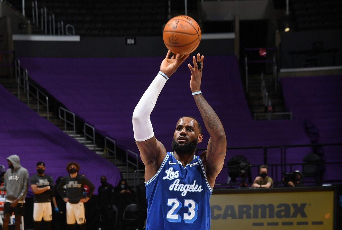 LeBron James 35,000 points NBA scoring LA Lakers