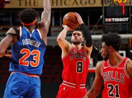 Zach LaVine of the Chicago Bulls shoots a pull-up jumper against New York Knicks big man Mitchell Robinson. (Image: Peter Carini/Getty)