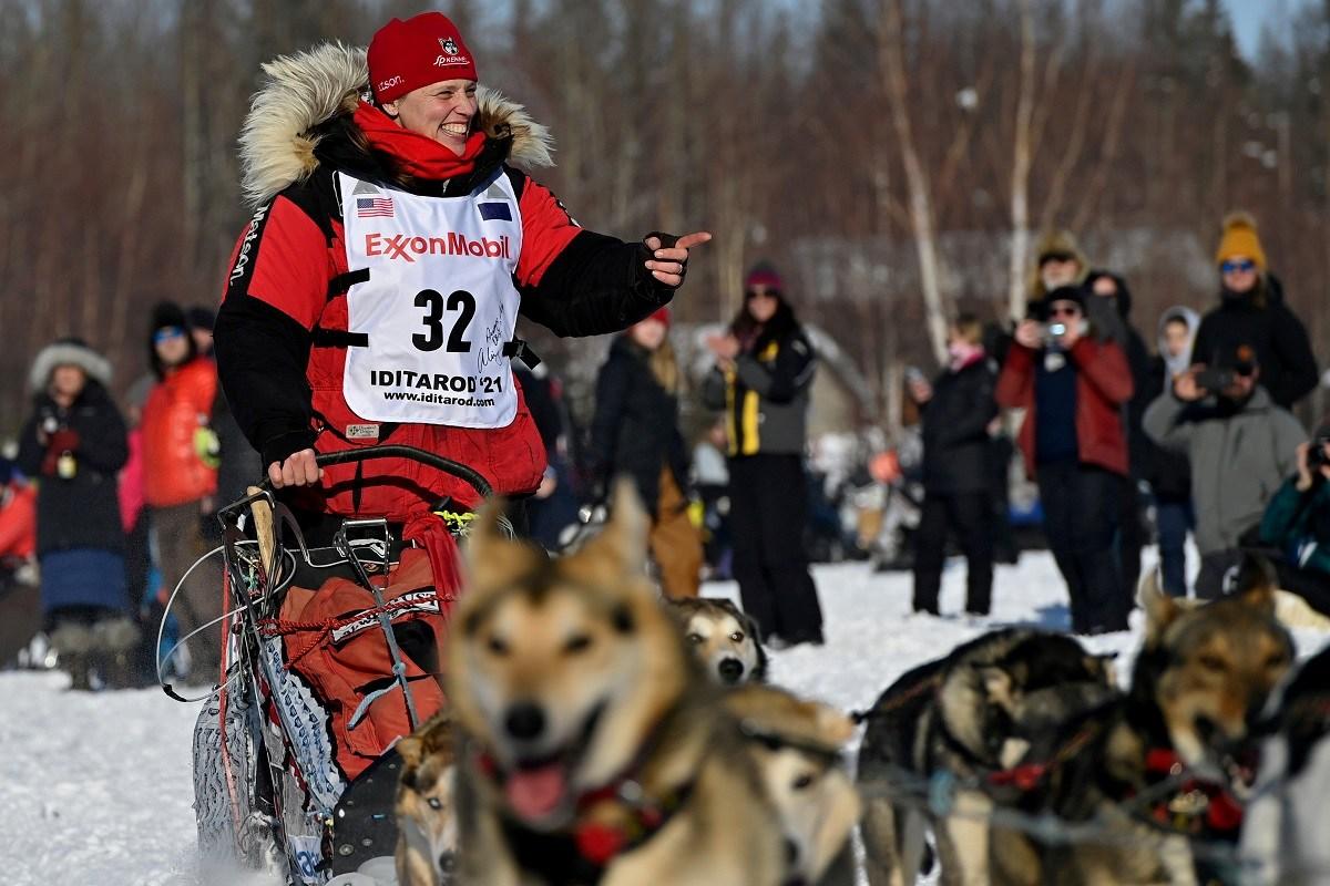 Ali Zirkle crashes out Iditarod 2021 Day 3 Brent Sass