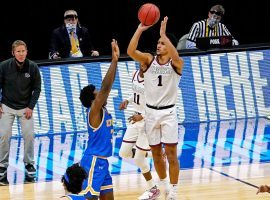 Freshman guard Jalen Suggs pulls up and shoots a game-winning 3-pointer in overtime to lead Gonzaga to a victory over UCLA in the Final Four. (Image: Getty)