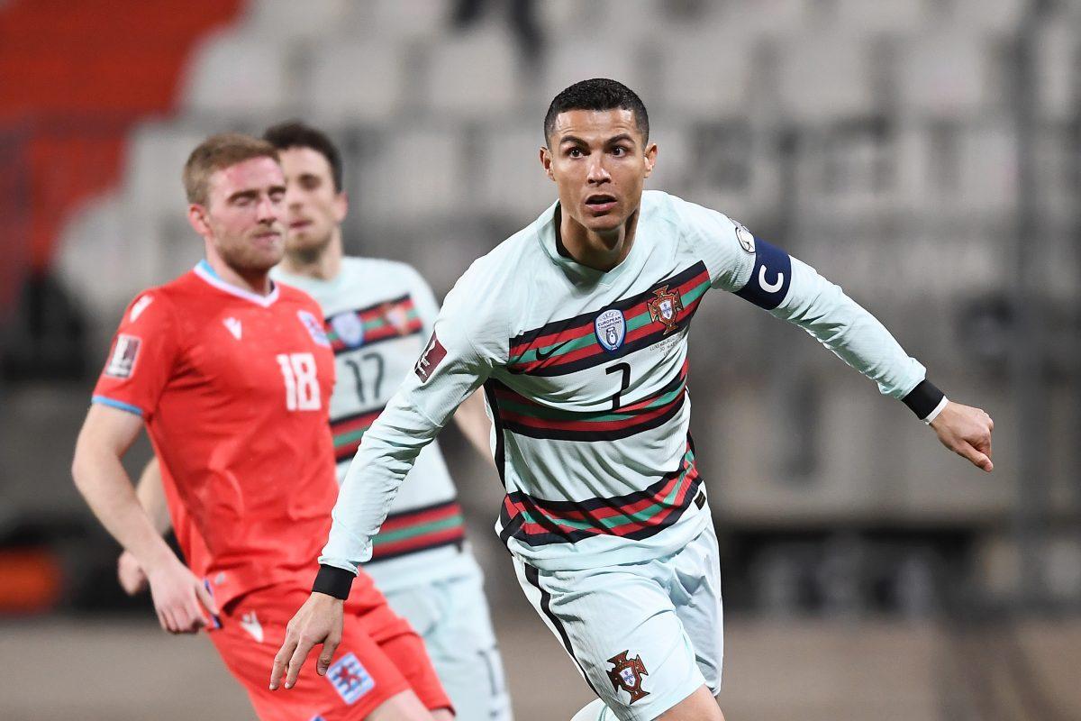 Cristiano Ronaldo bertugas untuk Portugal