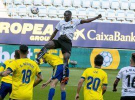 Diakhaby in action for Valencia vs Cadiz (Photo: @ValenciaCF / Twitter)