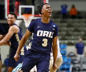 MAx Abmas Oral Roberts Going Pro NBA Draft delcare NCAA leading scorer