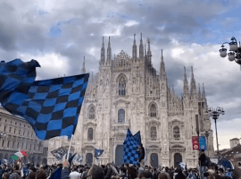 More than 30,000 Inter fans gathered outside the Milan Cathedral to celebrate the team's first title in 11 years. (Image: Twitter / @inter)