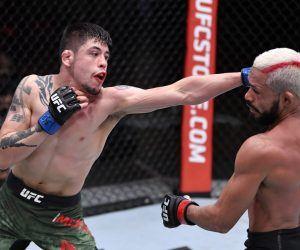 Figueiredo Moreno odds UFC 263