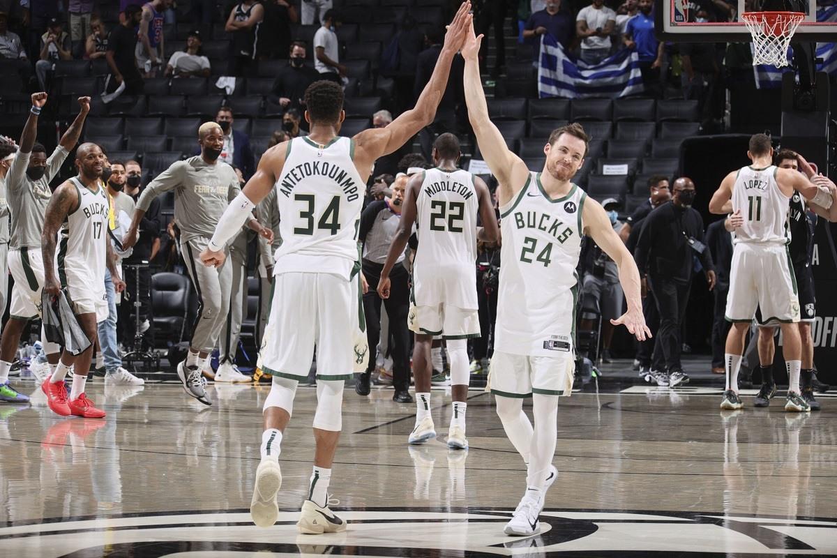 Greek Freak Milwaukee Bucks NBA Championship odds Atlanta Hawks Phoenix Suns LA Clippers