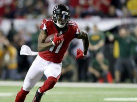 Wide receiver Julio Jones set the Atlanta Falcons receiving record in the 2020 season, but he wants out of Hotlanta and asked the organization to trade him. (Image: Getty)