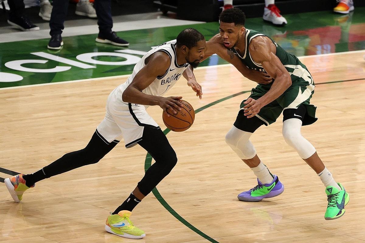 Milwaukee Bucks Kevin Durant Greek Freak Game 3 Turun 0-2 Brooklyn Nets Playoff NBA