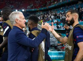 French national team coach Didier Deschamps congratulates Karim Benzema after France beat Germany 1-0 in Munich for their Euro 2020 opening game. (Image: Twitter/equipedefrance)
