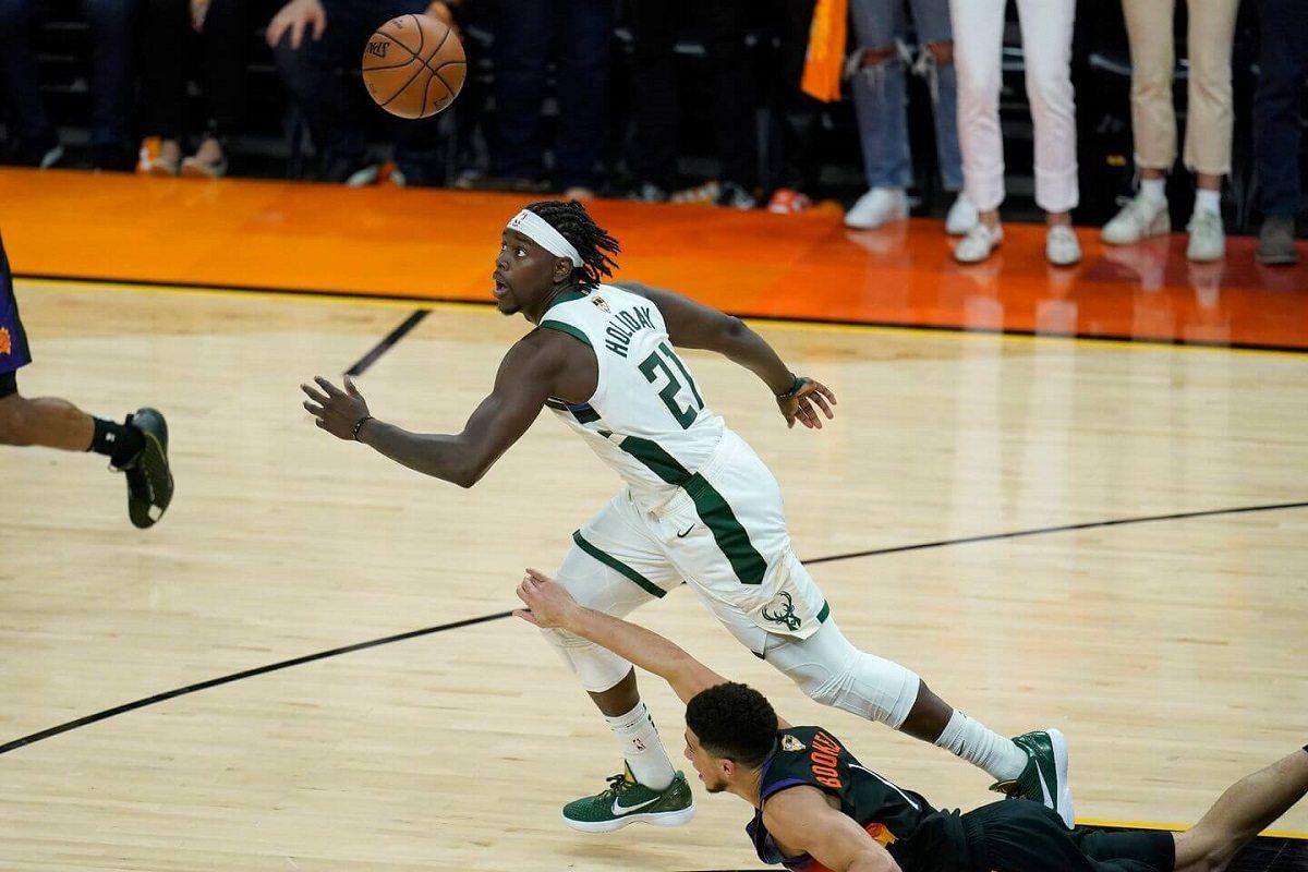 Game 5 NBA Finals steal Jrue Holiday Milwaukee Bucks Phoenix Suns alley-oop Greek Freak dunk