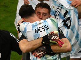 Messi and Emiliano Martinez celebrate after Argentina beat Colombia in a dramatic penalty shootout to reach the final at Copa America. (Image: Twitter/CopaAmerica)