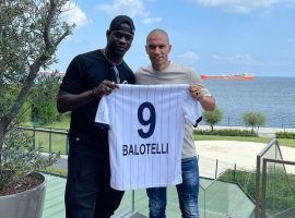 Balotelli signed a 3-year contract with Adana Demirspor, a newly-promoted team in the Turkish league. (Image: Twitter/AdsKulubu)