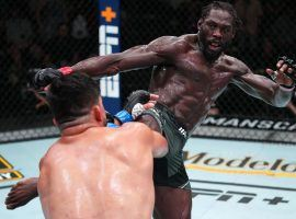 Jared Cannonier (right) won a close but clear decision victory over Kelvin Gastelum (left) in the main event of UFC on ESPN 29. (Image: Chris Unger/Zuffa)