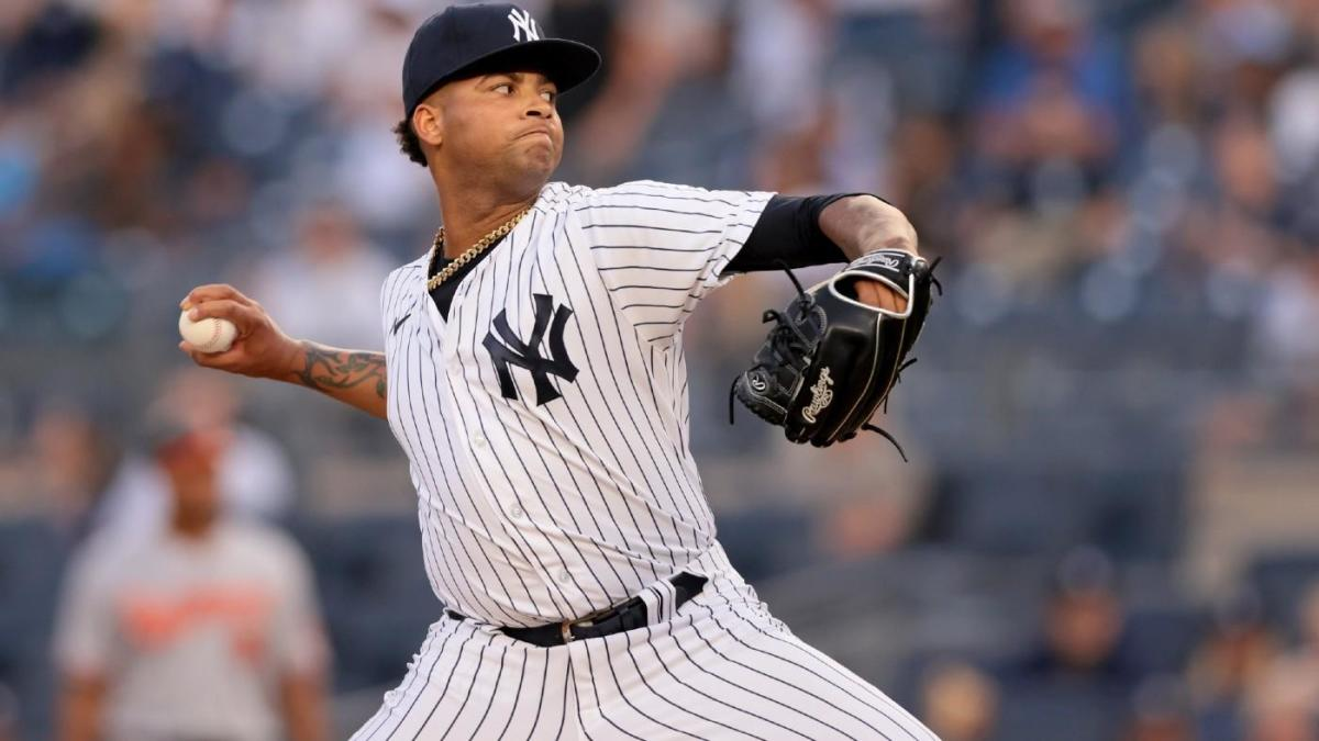 Luis Gil rookie pitcher NY Yankees scoreless record pitcher