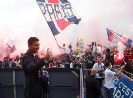 Messi had a warm welcome from the PSG ultra fans. (Image: Twitter/PSGinside)