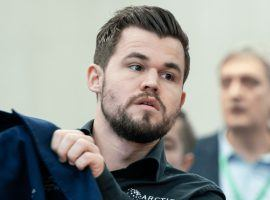 Magnus Carlsen leads the Champions Chess Tour Finals by five points with four rounds to go, with only Wesley So remaining in striking distance. (Image: Maria Emelianova/Chess.com)