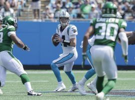 Sam Darnold from the Carolina Panthers sits comfortably in the pocket and peeks downfield against the New York Jets. (Image: Porter Lambert/Getty)
