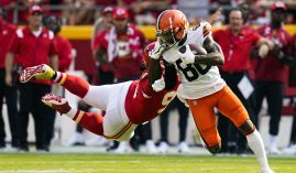 Cleveland Browns wideout Jarvis Landry evades a tackler from the Kansas City Chiefs in Week 1. (Image: Getty)