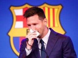 Lionel Messi couldn't hold his tears in his final press conference at FC Barcelona. (Image: standard.co.uk)