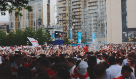 Tens of thousands gathered outside the Wembley in London before the England vs Italy game in July. (Image: onlinegambling.com)